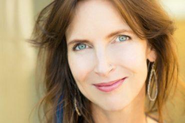 Dr. Holly Richmond