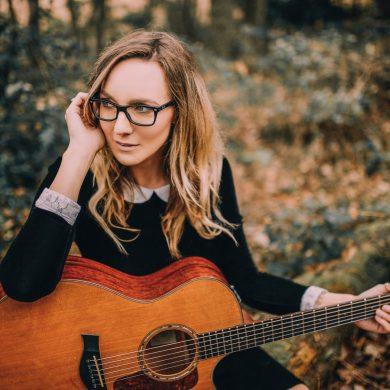 Emma Stevens new single, Jump In