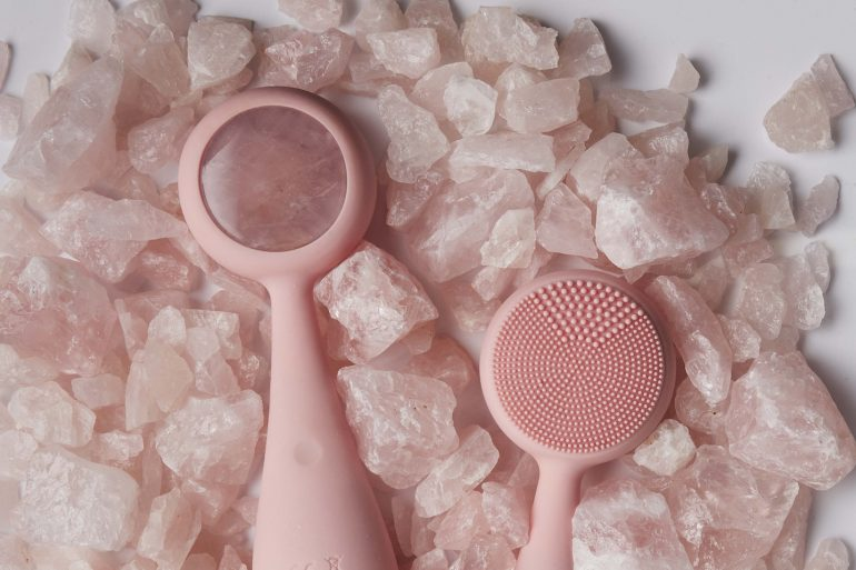 Crystal Healing with PMD Clean Pro Rose Quartz